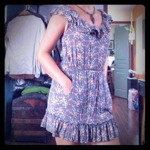 Ruffle dress with pockets